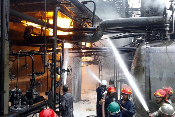 Syria – Major Fire Hits Homs Oil Refinery